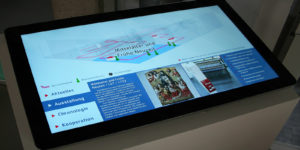 Touch Screen Terminal als Besucherinformationssystem